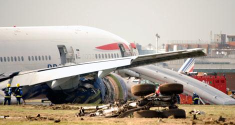 BRITISH AIRWAYS - BOEING - B777-236ER (G-YMMM) flight BA38