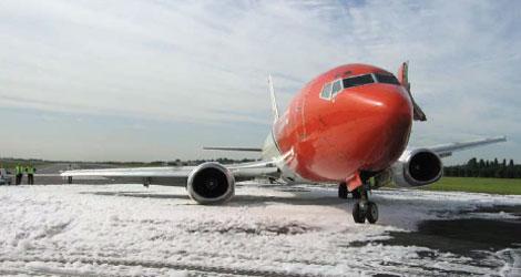 TNT Airways Ltd - Boeing - B737-300 (OO-TND) flight TAY325N