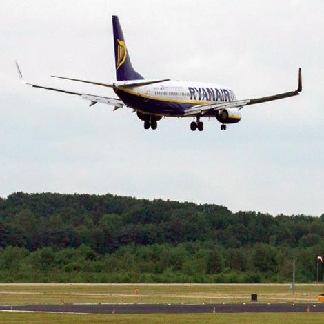 Ryanair - Boeing - B737-800 (EI-ENL) flight FR3531