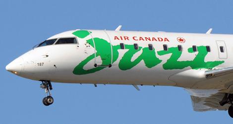Air Canada Jazz flight QK8205 - Bombardier CL600-2B19 (C-GJZF)