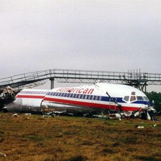 American Airlines - Mcdonnell Douglas - MD82 (N-215AA) flight AA1420