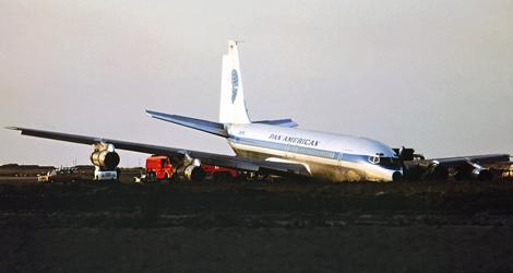 Pan American World Airways - Boeing - B707-321B (N-892PA) flight PA812