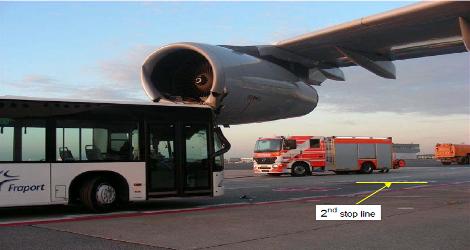 LUFTHANSA - AIRBUS A340-313 ()
