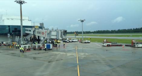 Singapore Airlines flight SQ421